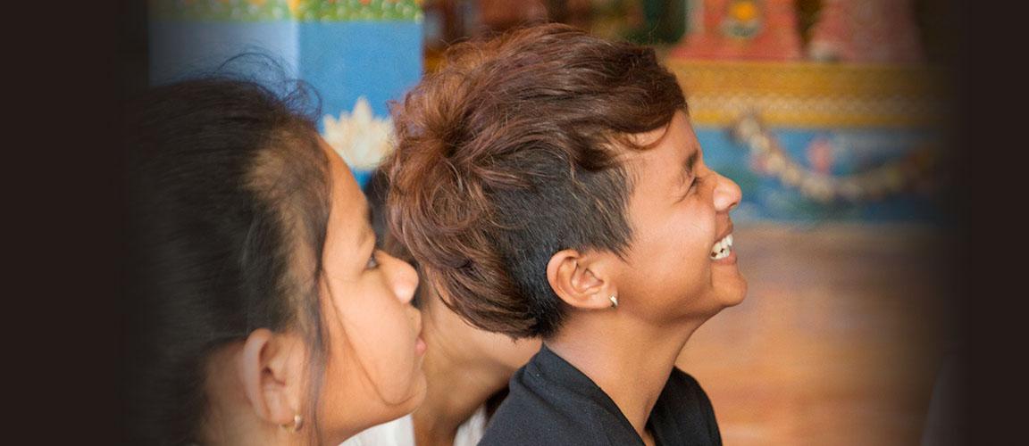 Untenu is betrokken bij, en solidair met kansarme hiv-positieve LHBTI's in Cambodja.
